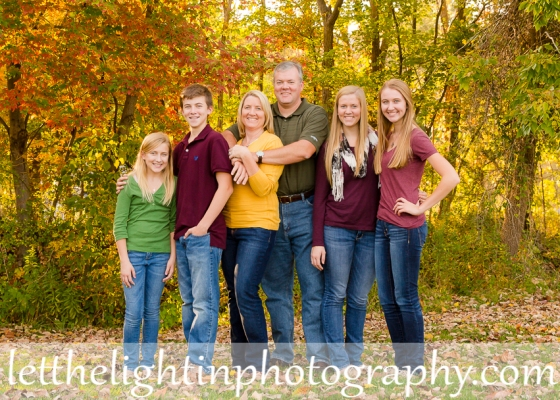 Family of 6 in the fall taken by local Haymarket VA Photographer